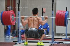 Olympic Squats by Xiaojun. Captured by Hookgrip.