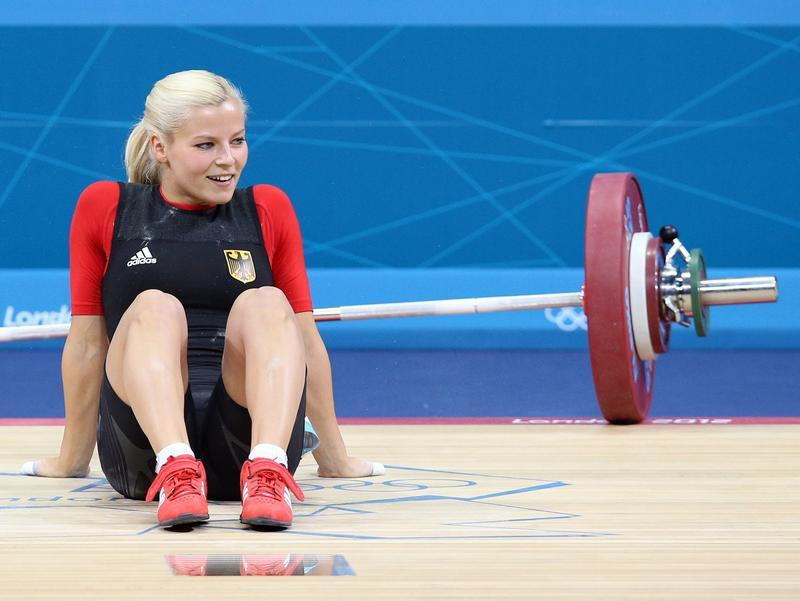 russian weightlifters arrested for smuggling steroids
